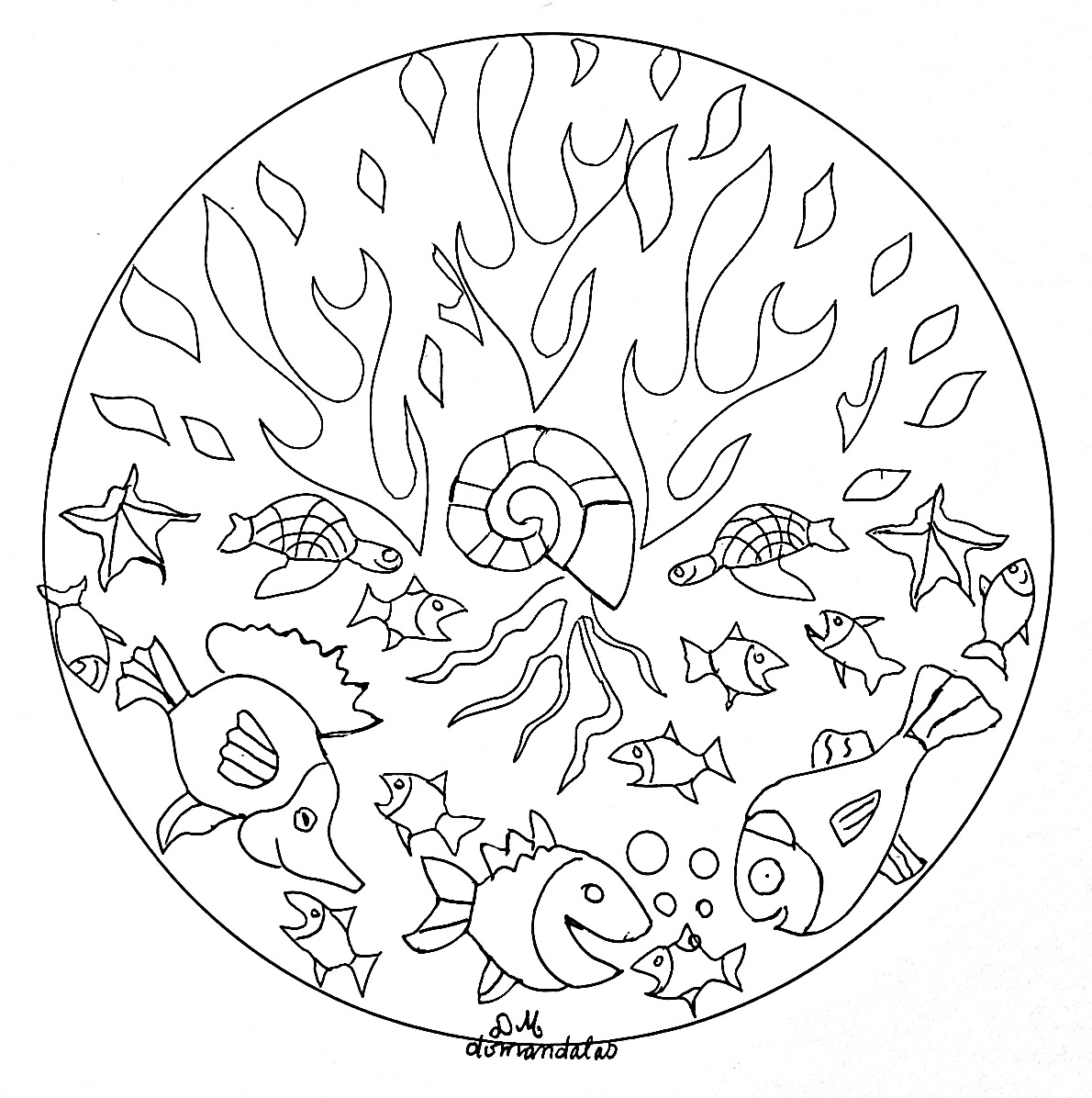 These seabed (shells, fish, sea...) are just waiting to be colored in this pretty original Mandala, it's up to you to print it and let your artistic sense guide you.